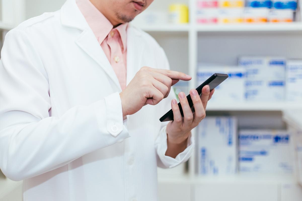 whatsapp business per la farmacia