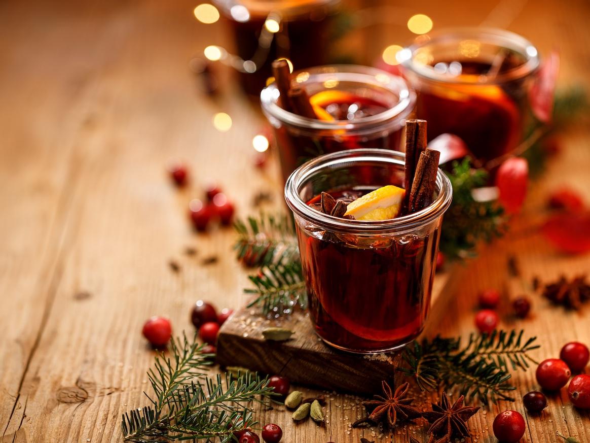 tisana-calda-bicchiere
